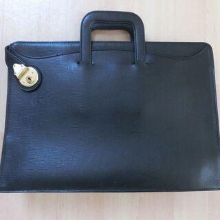 バーバリービジネス鞄をお貸しします。