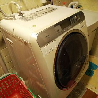 【少し水漏れあり】東芝製ドラム型洗濯機 TW-170VD(W) ②