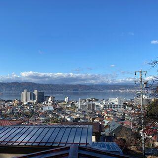 【賃貸戸建て】諏訪湖が一望できる抜群の眺望!庭付き4DKの戸建て...
