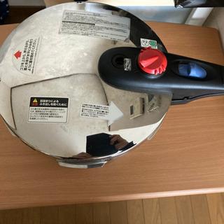 値下げ‼️今月中‼️cress DELUX 5.5L圧力鍋 🐣