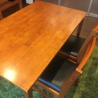 ☆ダイニングテーブル&椅子4脚付き☆
