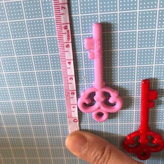 ハンドメイド パーツ 鍵型