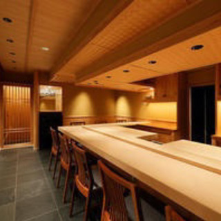 西麻布、六本木 会員制の鮨屋