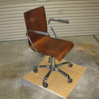 チェア・回転椅子(木製座面)差し上げます。の画像