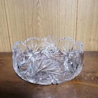 ガラス製の器