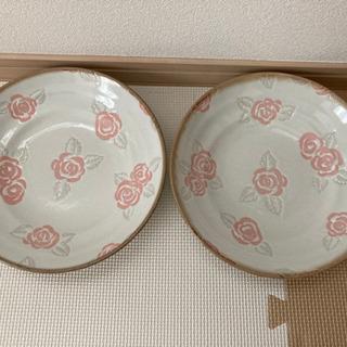 【ネット決済】スープパスタ皿 2枚セット 中古 バラ柄 お皿の断...