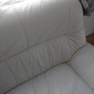 【購入者決定】引っ越し4月8日まで!ホワイトベージュ ソファー  - 売ります・あげます