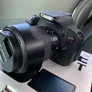 Canon デジタル一眼レフ EOS kiss 7i ダブルレンズ