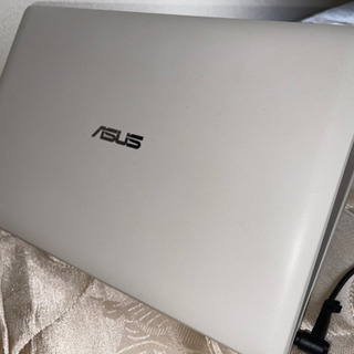 ノートパソコン ASUS VivoBook X200CA-CTW...
