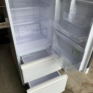 新生活応援セール!! 美品!! 2017年式 ノンフロン冷凍冷蔵庫  AQUA AQR-271F - 福井市