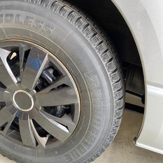 【値下】ブリヂストン 冬用中古15インチタイヤ キャップ付
