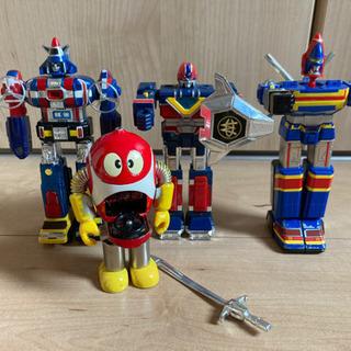 ロボット3体セットとロボットはっちゃん