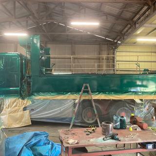 トラックボディ(乗用車・重機も)塗装、架装、修理いたします。