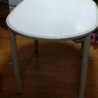 楕円テーブル&椅子2脚 物々交換でお願い致します。