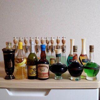 1960年~1972年モロゾフ酒造のアブサン他リキュール等 古酒 未開栓の画像