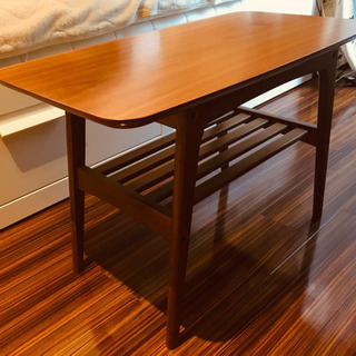 【売約済み】木製カフェテーブル 4/4引っ越しです