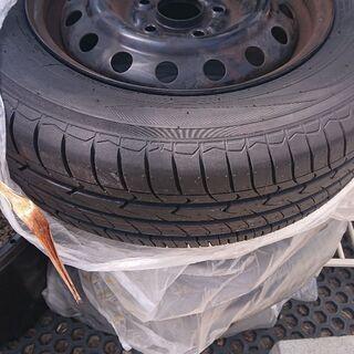 ホンダ車用のホイール付き夏用タイヤ