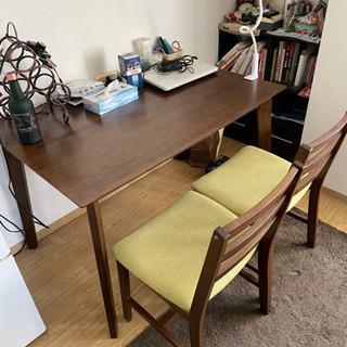 1人暮らしでも使えるダイニングテーブル差し上げます