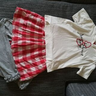 フード付きTシャツとレギンス付きスカート(ともに140㎝) 中古