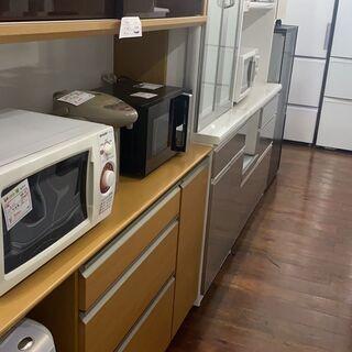 各メーカーの電磁レンジ、オーブンレンジ、炊飯器