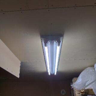 オフィス向けLED照明器具+LEDバー×2
