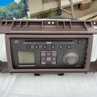 パッソ KGC30 純正オーディオ(パネル付き)