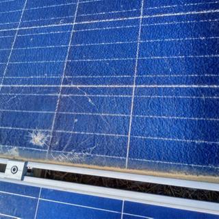 ソーラーの割れパネルの交換 草刈り 除草剤散布 一部防草シート張り
