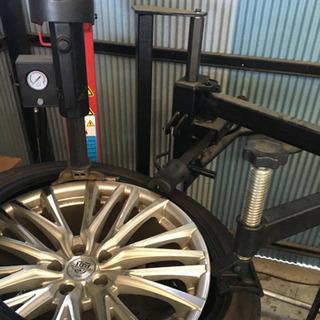タイヤ交換サポート(助手)のお仕事 自動車の修理洗車等の軽作業です。