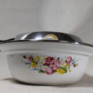 花柄の綺麗な【象印のホーロー鍋】