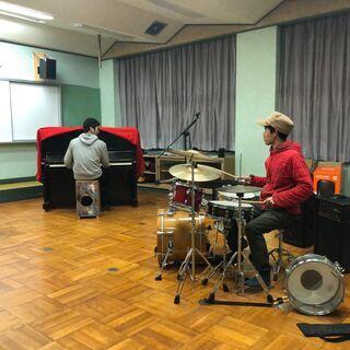 ドラムレッスン、楽器を持ち寄ってのセッション