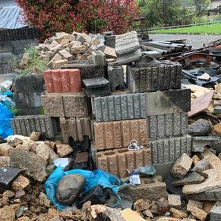 【DIY・ガーデニング資材】コンクリートブロック無料で差し上げます!