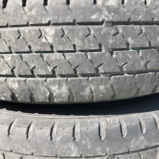 軽トラ鉄ホイール付きタイヤ。車検用にどうぞ。 - 売ります・あげます
