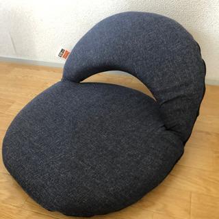 ニトリ スリムに収納できるコンパクト座椅子