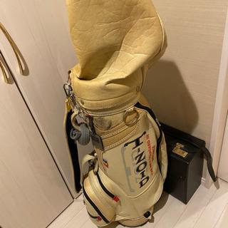 ゴルフバックです。