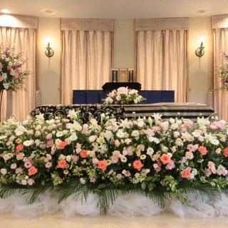 創業100年を超える地元に根付いた葬儀社です。 何でもご相談下さい。