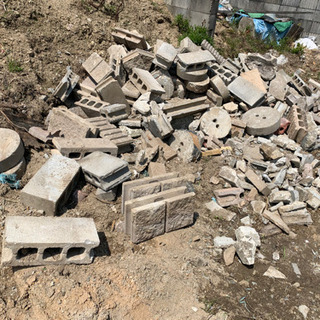 【DIY ガーデニング 庭づくり】コンクリートブロックや庭石、お...