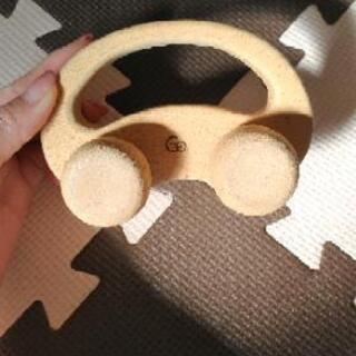 木の車 おもちゃ