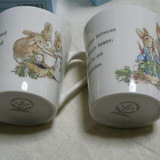 未使用ピーターラビット食器 マグカップ2個とカレー皿2枚