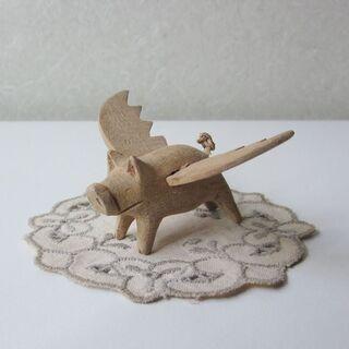 空飛ぶ豚の木製オブジェ おまけ付き