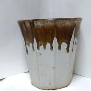 植木鉢 白地に茶色