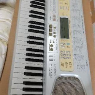 【中古品】電子キーボード LK-201TV