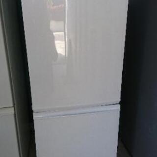 [配達無料][即日配達も可能?]冷凍冷蔵庫 137L SHARP SJ-D14A-W 2015年製の画像