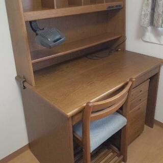 ‼️新学期に‼️がっしりした学習机&キャスター付き袖机&椅子のセット