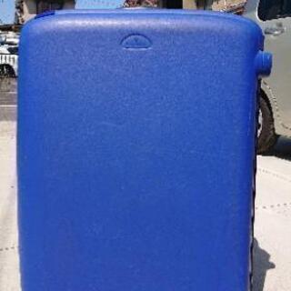 ブルーのスーツケース値下げしました。