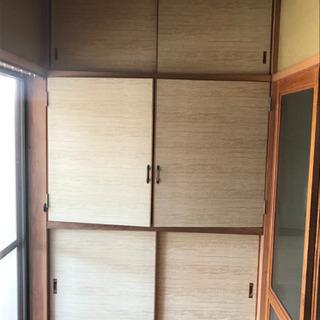 スタイリッシュな収納ドア 1式