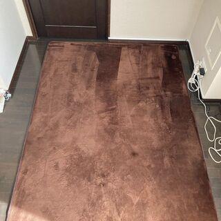 ふわふわの低反発ラグマット(茶色)、140×200cm