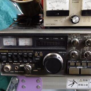 トリオアマチュア無線機電源内蔵型
