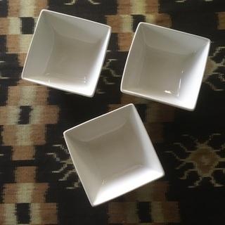 白い深小皿 磁器 3枚セット 中古 小鉢
