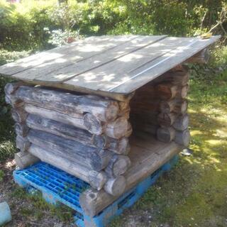 ログハウス風自作の犬小屋