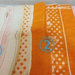 タオルケット(④枚/色により金額が違います)/薄い肌掛け布団①枚...